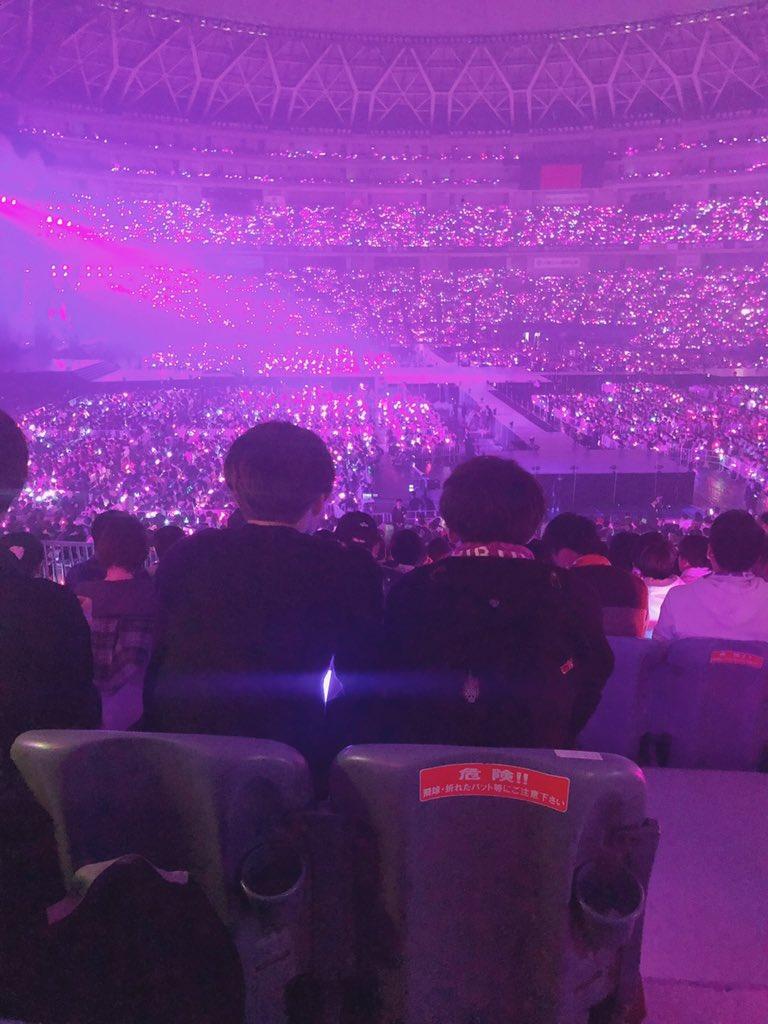 乃木坂平日の京セラに5万人(実数4万5千位?)集めたけど、同じ条件でAKBがやったら何万人集められてたの?