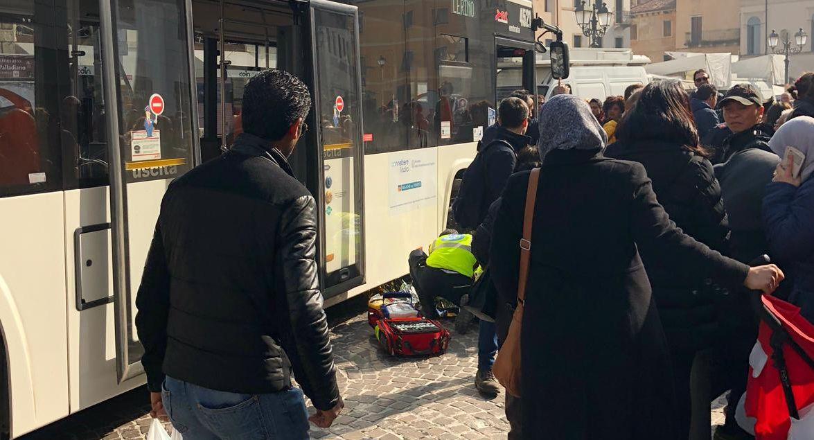#Vicenza, bimbo di un anno investito da un autobus...