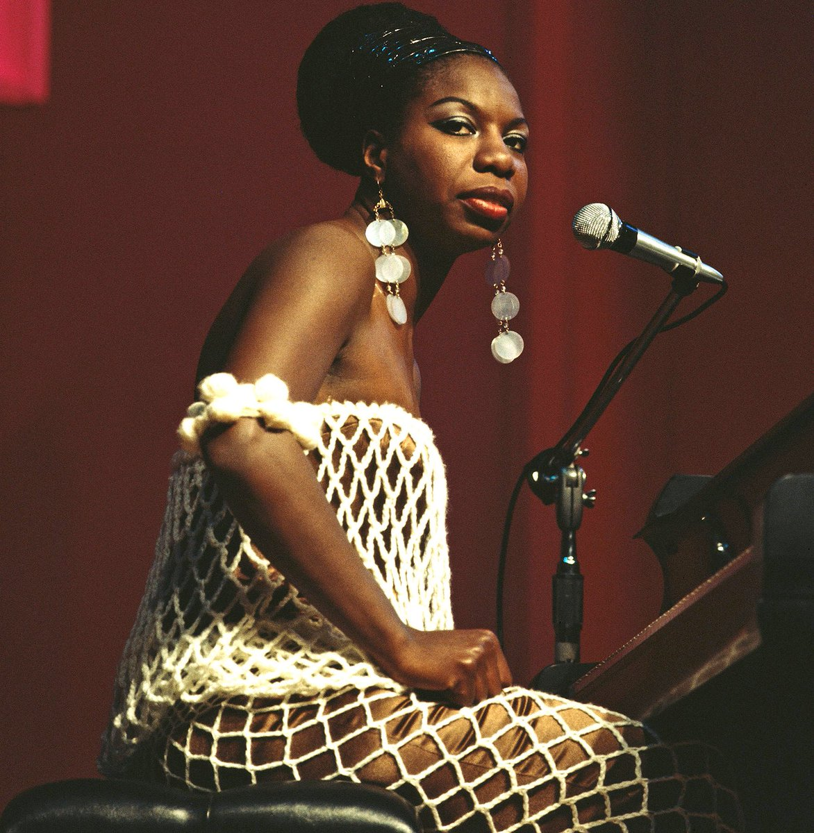 Happy Birthday to the Legendary Nina Simone. Today she would have turned 86 years old. RIP 💕