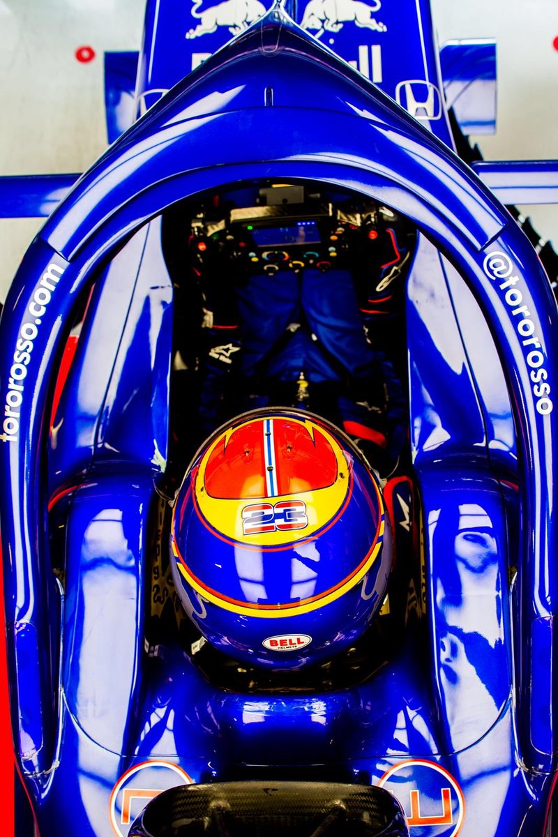 First week of testing completed! Many laps completed and it all went pretty smoothly!... minus a spin😂 Big thank you to the @ToroRosso & @HondaRacingF1 guys!  📸: @GettyImages https://t.co/56gscusIky