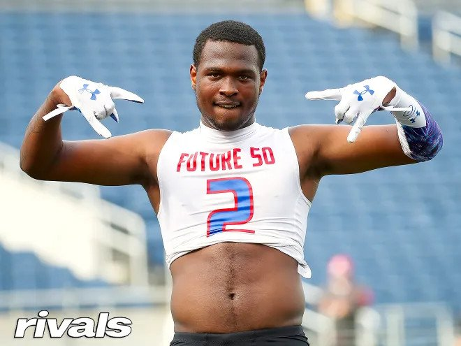 Can the Bulldogs flip Darion Green-Warren away from his Oklahoma commitment? It will be tough but here is what he had to say about #UGA:   https://t.co/nb3w4BtMeE
