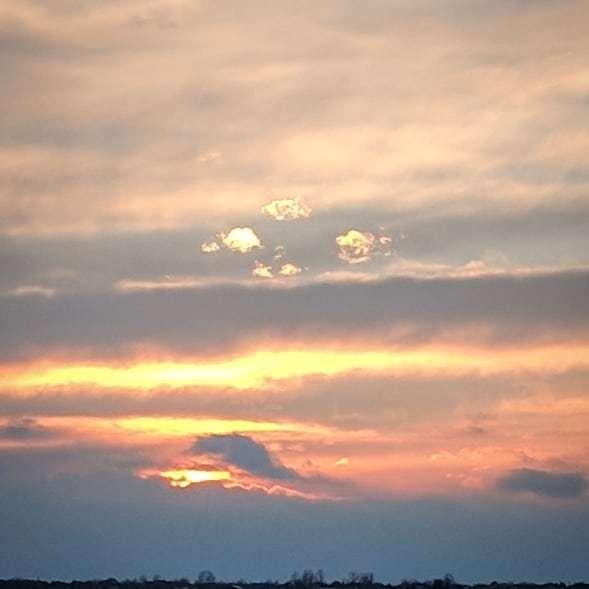 Impression.  #nature #naturephotography #landscape #landscapephotography #weather #weatherphotography #clouds #cloudphotography #cowx #colorado  #skyphotography #sky #sunset #sunsetphotography #rockymountains https://ift.tt/2E4qoTx
