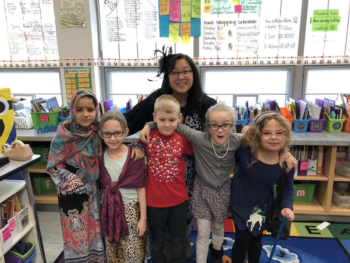 We're 100 Days Wiser! These centenarians are rocking a good look today. Happy 100th Day of School! <a target='_blank' href='http://twitter.com/AbingdonGIFT'>@AbingdonGIFT</a> <a target='_blank' href='http://search.twitter.com/search?q=ABDrocks'><a target='_blank' href='https://twitter.com/hashtag/ABDrocks?src=hash'>#ABDrocks</a></a> <a target='_blank' href='http://search.twitter.com/search?q=APS100Days'><a target='_blank' href='https://twitter.com/hashtag/APS100Days?src=hash'>#APS100Days</a></a> <a target='_blank' href='https://t.co/QBA7p5ToI6'>https://t.co/QBA7p5ToI6</a>
