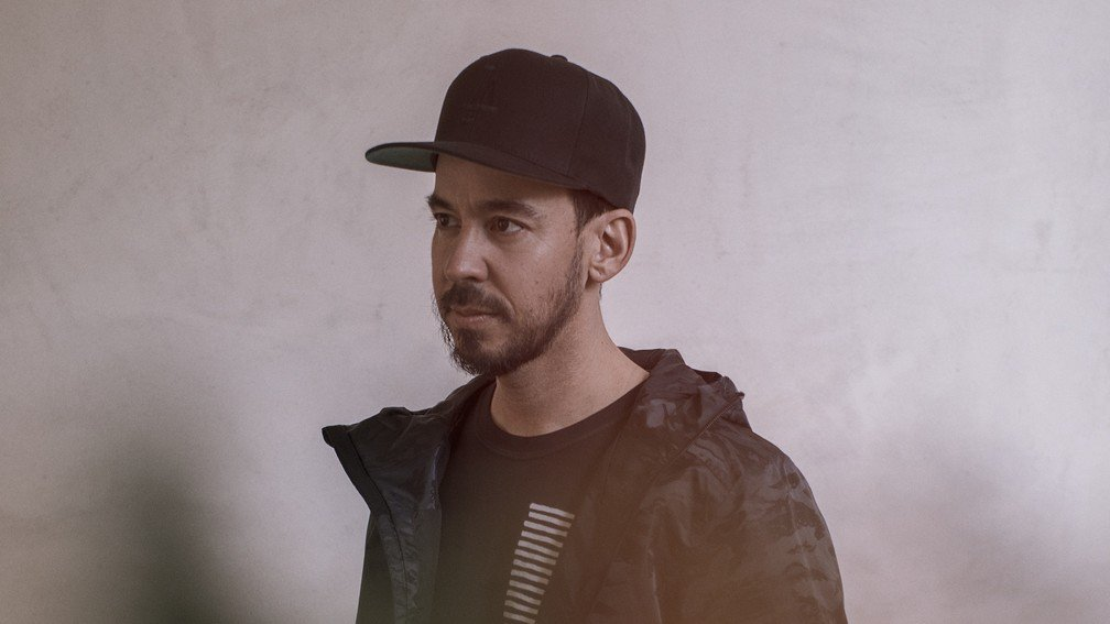 Mike Shinoda wants to ask his biggest fans some questions! If that's you, step this way… https://t.co/73Flkdn692