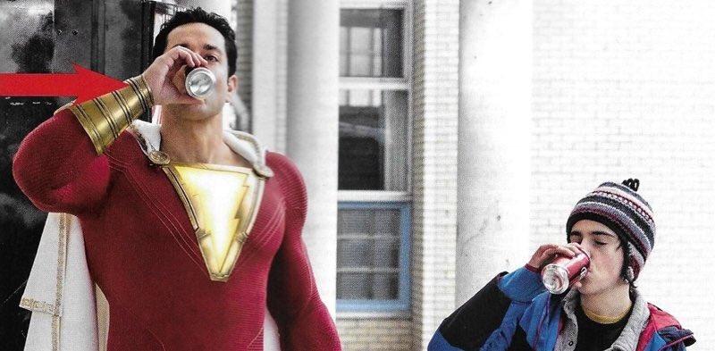 Tenemos nuevas imágenes oficiales de #Shazam en las que vemos al héroe probando sus poderes o al Doctor Sivana. https://t.co/yxDiNarV9b