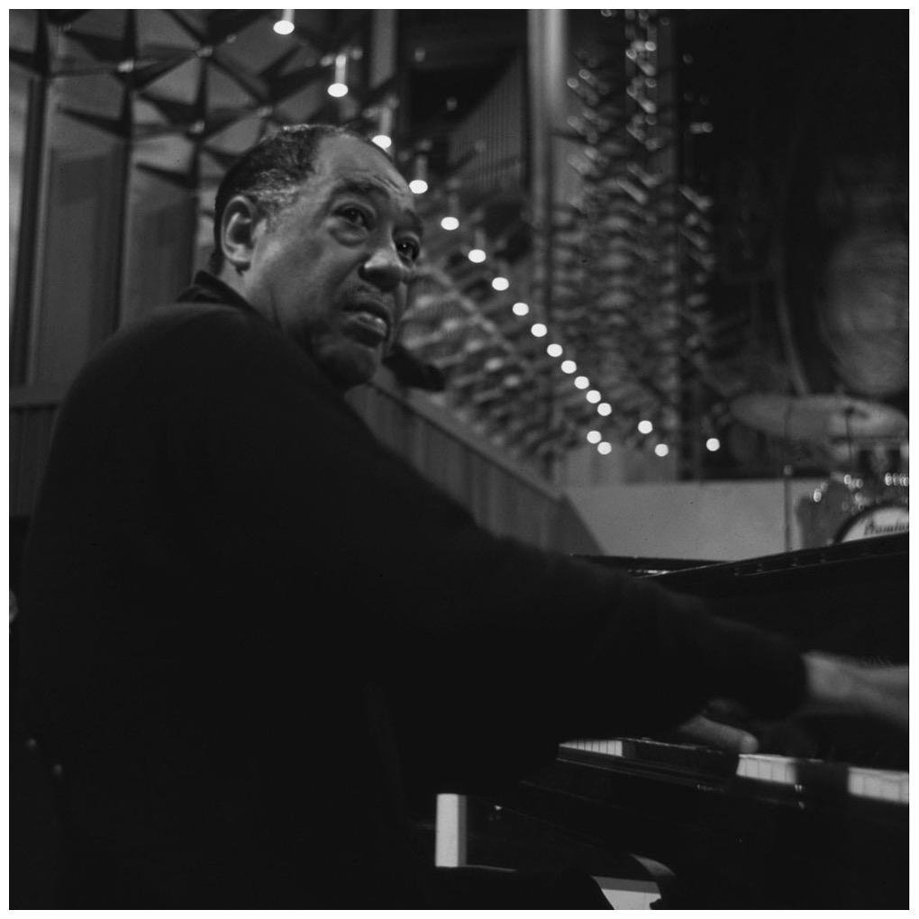 Duke Ellington in Coventry Cathedral 1968   #Jazz <br>http://pic.twitter.com/1kimYPKtsH