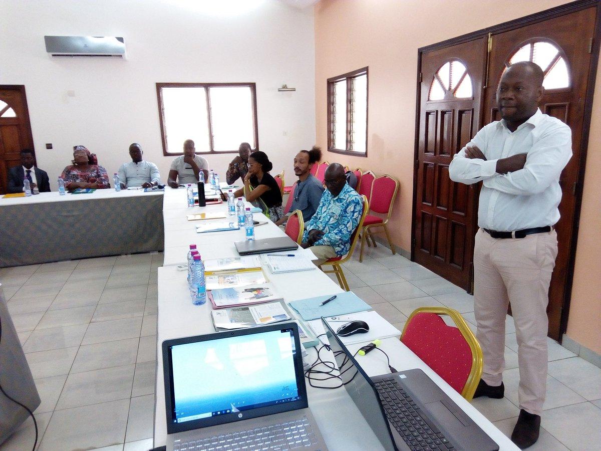 Démarrage ce matin de deux jours de théorie, pratique et coaching sur l'export avec un accent mis sur le Val d'Oise en France. Par M. Pascal Ayayi CREPPY. L'@AnpgfT veut ainsi donner un coup de pouce à l'#Exportation au #Togo #Denyigban. #Entrepreneuriat