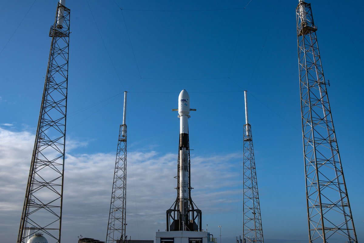 Falcon 9 and Nusantara Satu are vertical on Pad 40 ahead of today's launch window, which opens at 8:45 p.m. EST, 1:45 UTC →  https://t.co/gtC39uBC7z