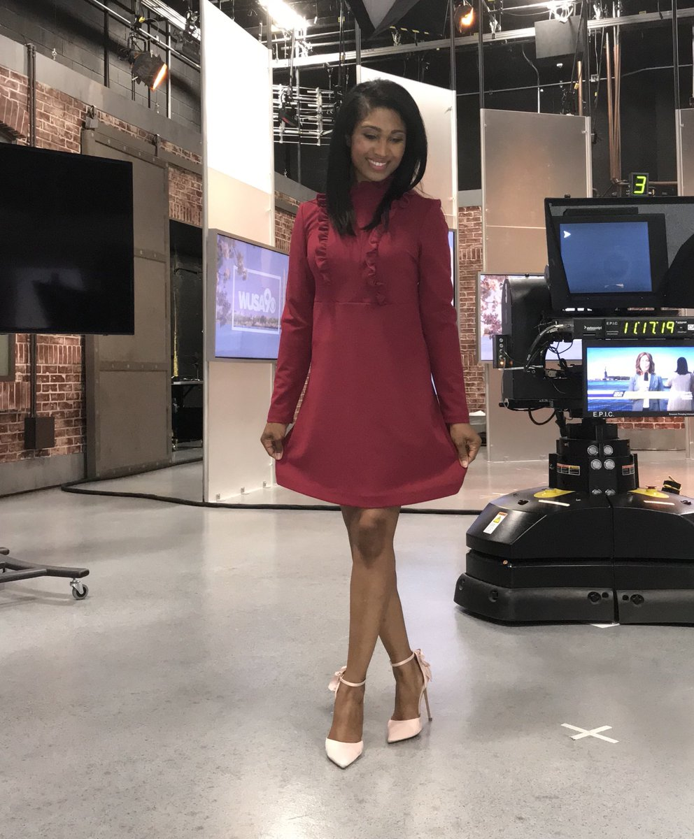 Our station stylist selected this dress for me.  I think the ruffles give this a nice pop. #GetUpDC <br>http://pic.twitter.com/fhdHJmqqgi