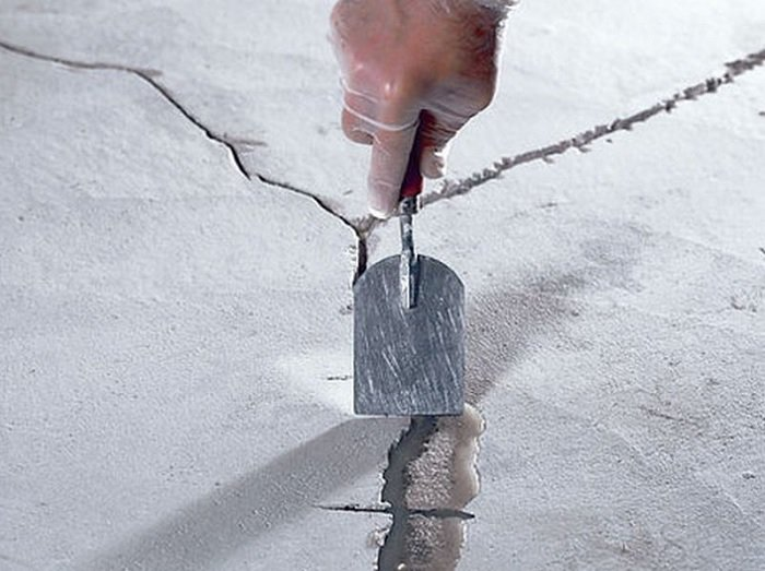 заделка трещин цементным раствором