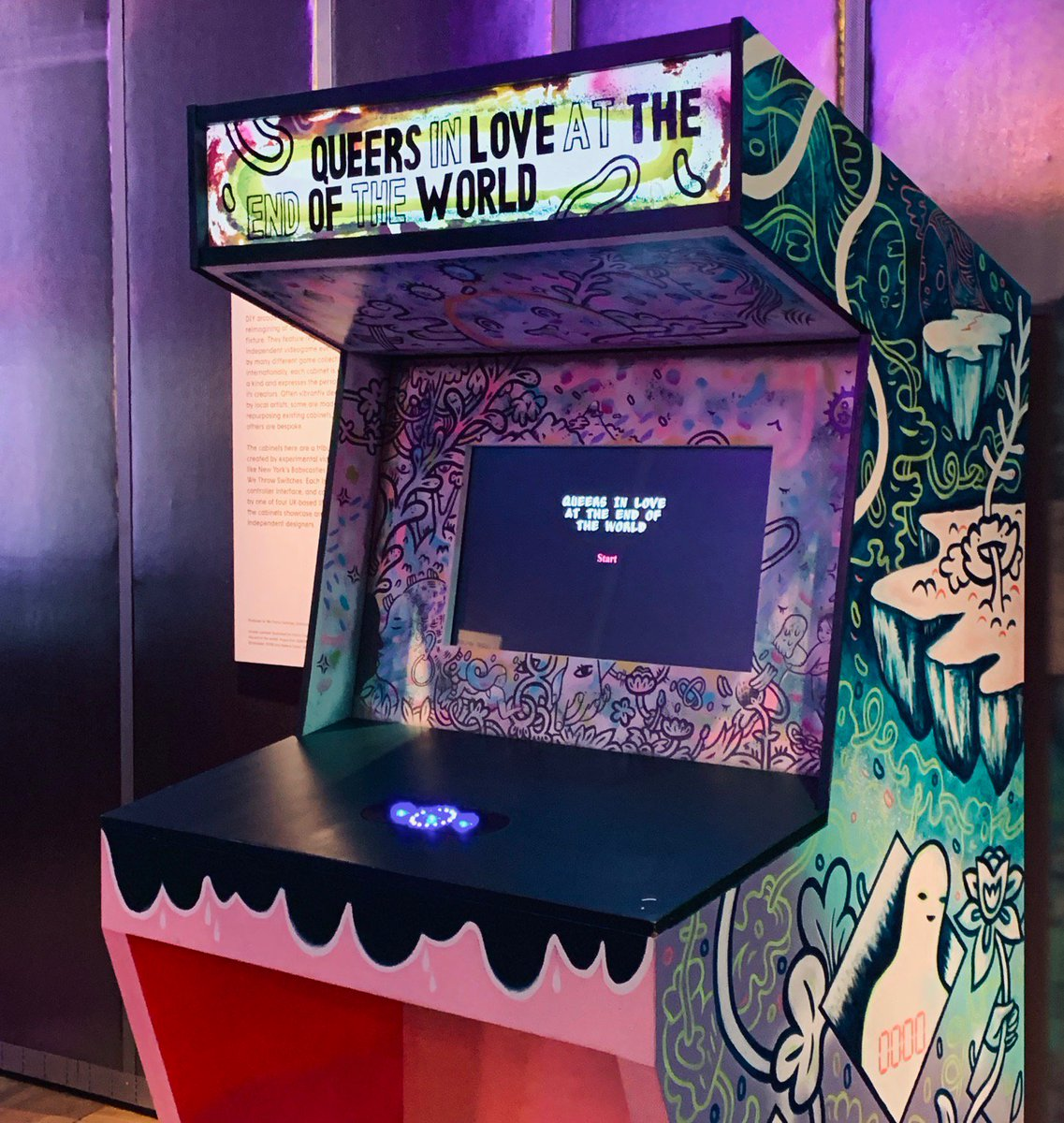 What would you do if the world ended? Our Videogames exhibition features this hypertext games that explores what would you do with your last 10 seconds on earth with the person you love. Play online here: https://t.co/kGJWbTtfqM   Videogames: #DesignPlayDisrupt closes 24 Feb.