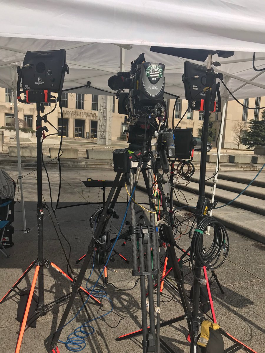 @NBCNews set up at the DC federal courthouse... waiting for Roger Stone