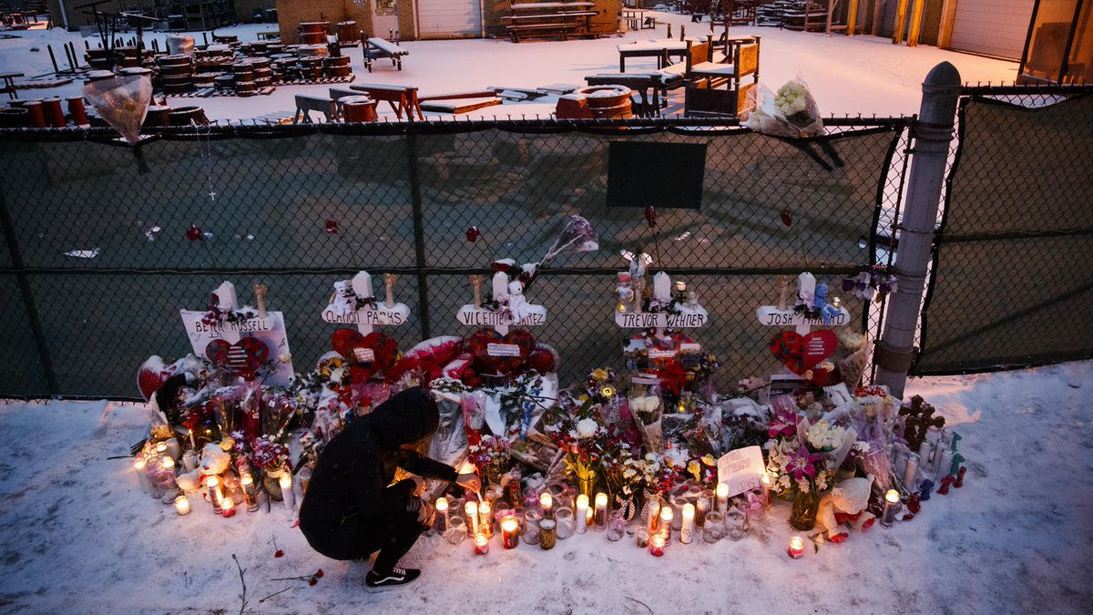 """Court and psychiatric records shed new light on the Aurora gunman's violent history with women, often in his own words, and theirs: """"If he is released soon … I am afraid that someone may end up dead.'  https://t.co/CaeEBsGSkz"""