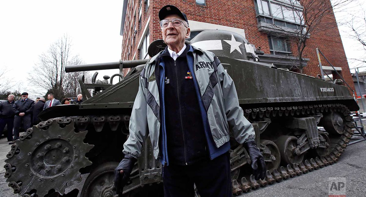 Thanks in a tank: WWII gunner, now 95, gets a nostalgic ride. http://apne.ws/dB27WBi  | Photos Charles Krupa | Text @JenMcDermottAP