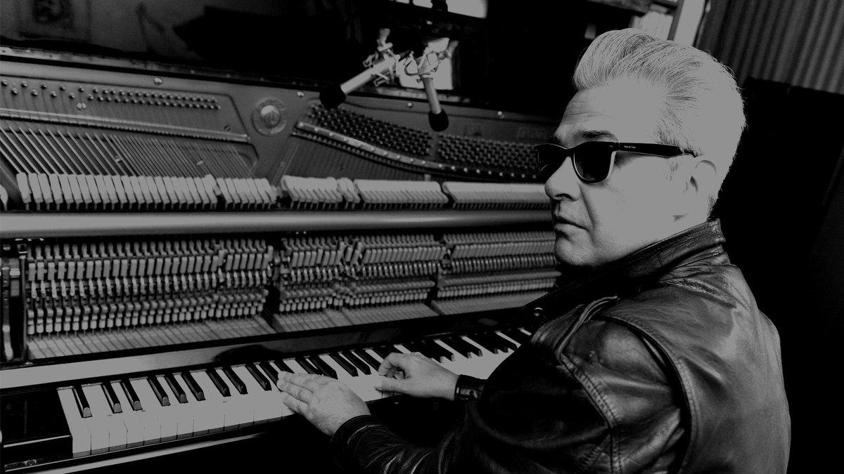"""test Twitter Media - Este es mi nuevo vídeo y single, """"Estrella Política"""", adelanto de lo que será mi nuevo disco """"Tiempos Traidores"""".  https://t.co/wOclStkeJK @rutaalrock @Rockandsunday @guiadelrock @Dirty_Rock @dharana_shiva   https://t.co/wOclStkeJK https://t.co/hzWBxLWGDU"""