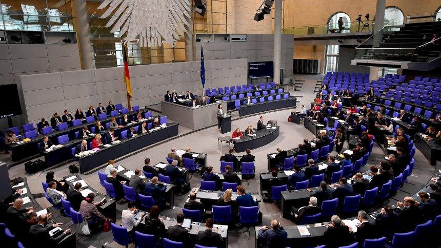 Umstrittene Entscheidung: Bundestag beschließt Reform von Paragraf 219a mit deutlicher Mehrheit  https://t.co/bbtyDLYrF2