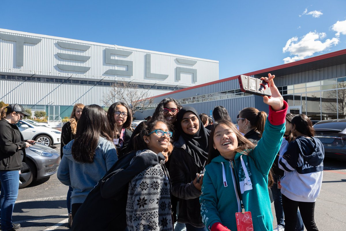Today we welcomed 200 awesome young women to Tesla to learn more about careers in engineering & manufacturing 👩🏼‍🔧👩🏽‍🔬👩🏾‍🚀👩🏻‍🏭
