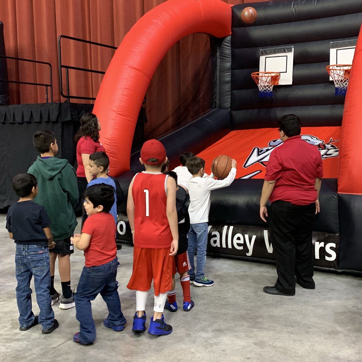 🏀Lil'Dribblers Kid Zone🏀 ‼️OPEN Tomorrow Feb. 22nd‼️ from 6:30pm till end of 3rd quarter!🐍 Bring the kids out and enjoy some family fun as the #RGVVipers take on #IowaWolves at Bert Ogden Arena!  Tickets➡️ http://www.rgvipers.com #RGVVipers #NextLevel #nbagleague