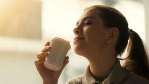 Want to keep your skin looking beautiful AND live longer? Drink #coffee 🍮! buff.ly/2GAEf7D #darkroast #coffeelovers #antioxidants #coffeeforhealth #coffeeintheam @LaddersHQ