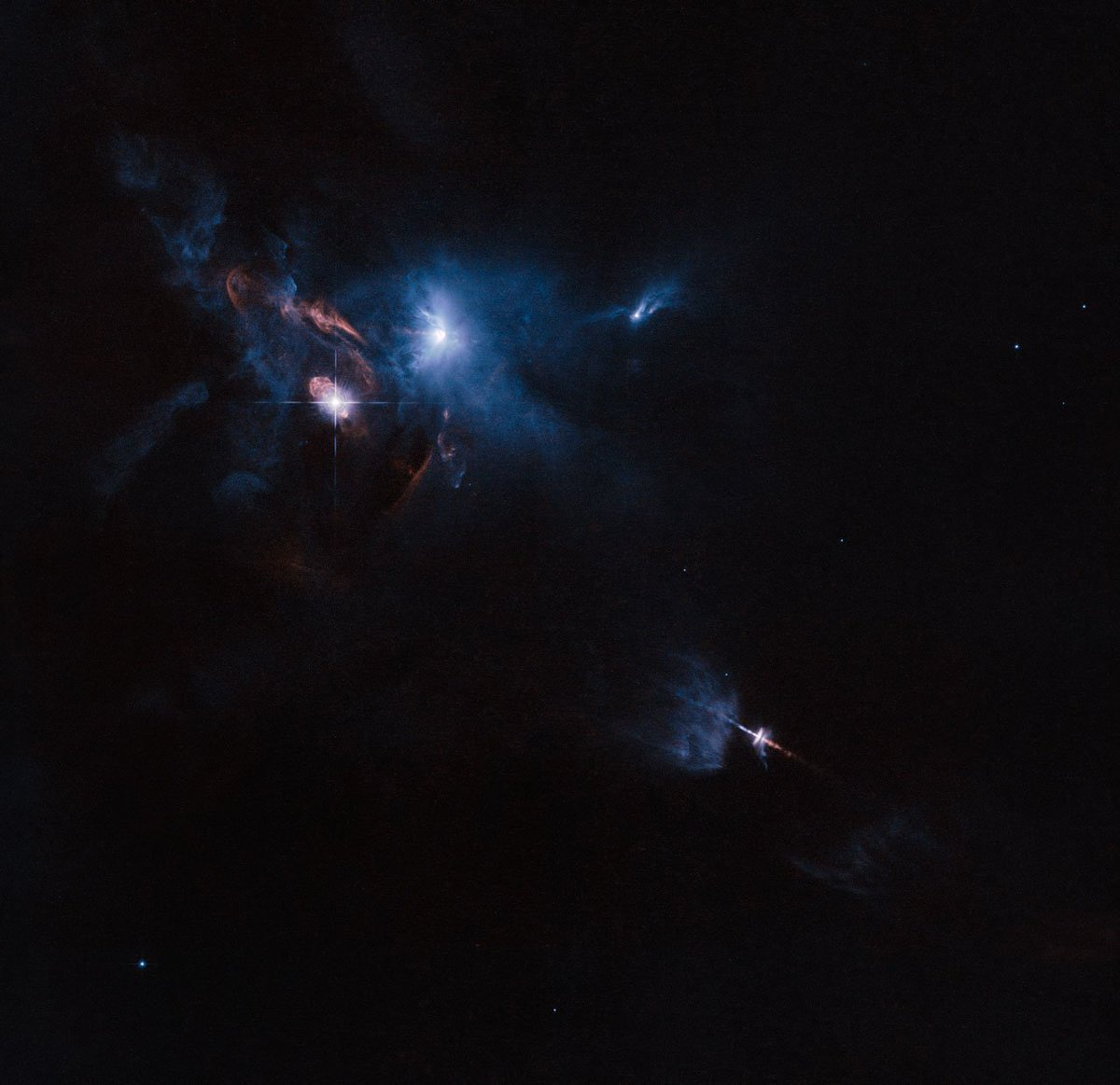 #TBT A striking view snapped by Hubble of a multiple star system called XZ Tauri, its neighbour HL Tauri and several nearby young stellar objects. Credit: @esa / @HUBBLE_space / @NASA Acknowledgement: Judy Schmidt  https://t.co/cSfpRsEGL5