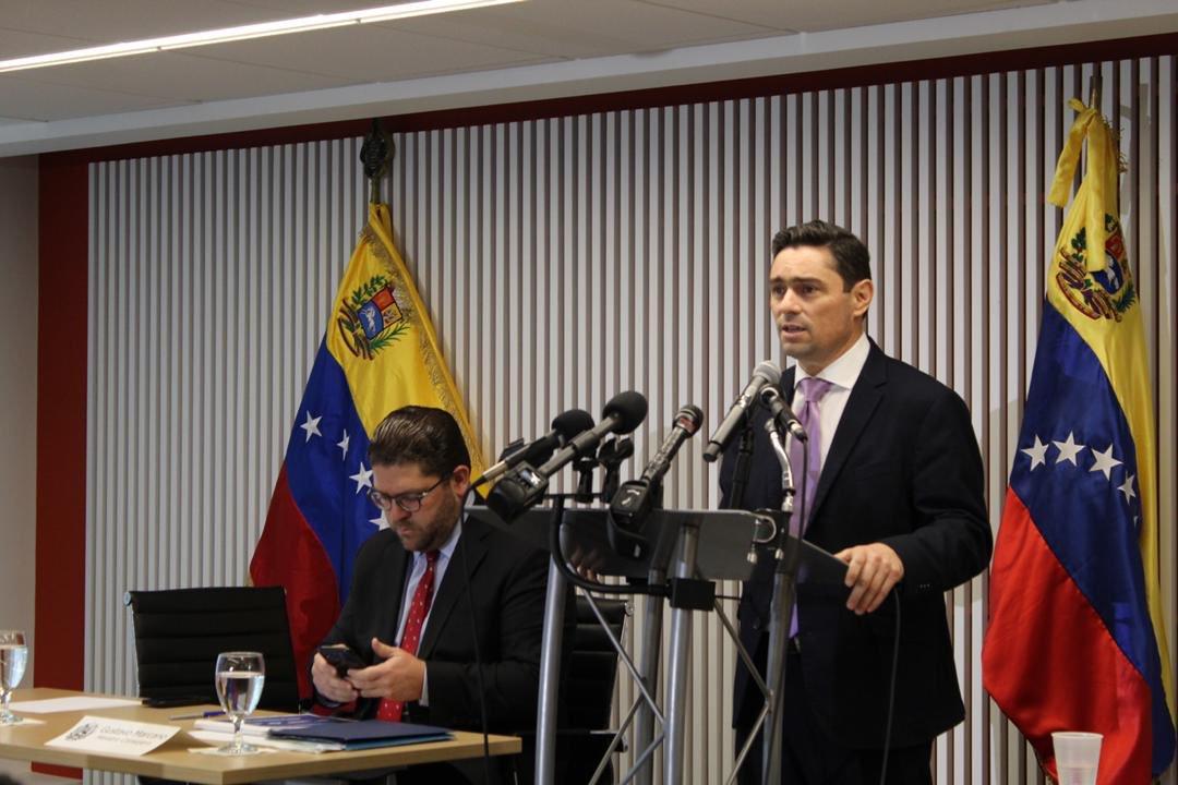 Maduro: Si algo me pasa, ¡retomen el poder y hagan una revolución más radical! - Página 8 Dz9RrScWkAIsx3K