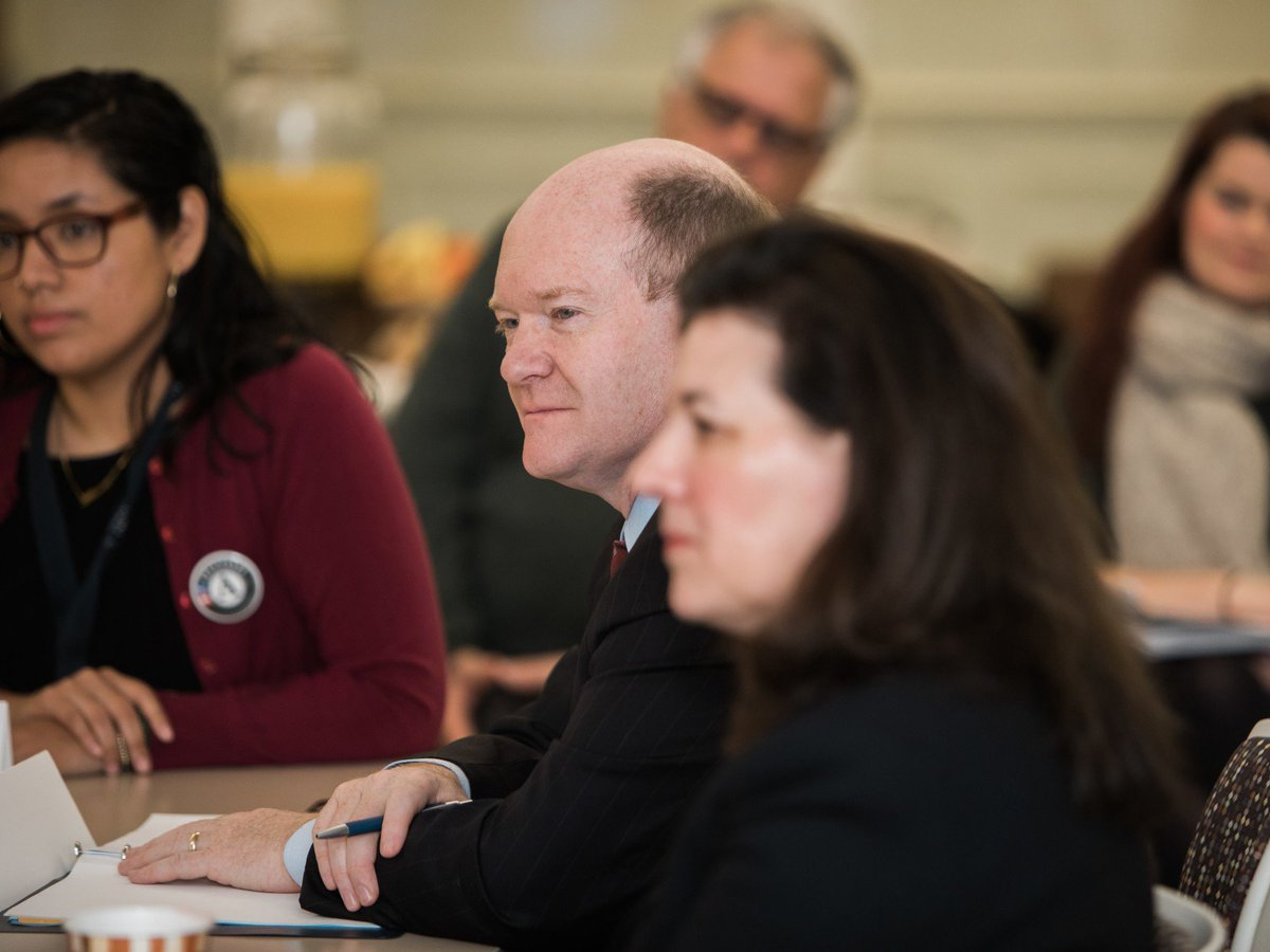 Thank you Senator @ChrisCoons for joining me on a tour of @GOCSchools in Wilmington, DE and participating in a lively discussion with the @AmeriCorps members and alums currently serving there!