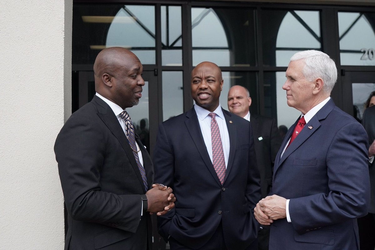 Great day in South Carolina w/ @SenatorTimScott & the good people of Meeting Place Church! Truly inspiring to celebrate what Columbia is doing in partnership w/local businesses, this great ministry, & w/ leaders at the state & local level to make this #OpportunityZone a success!