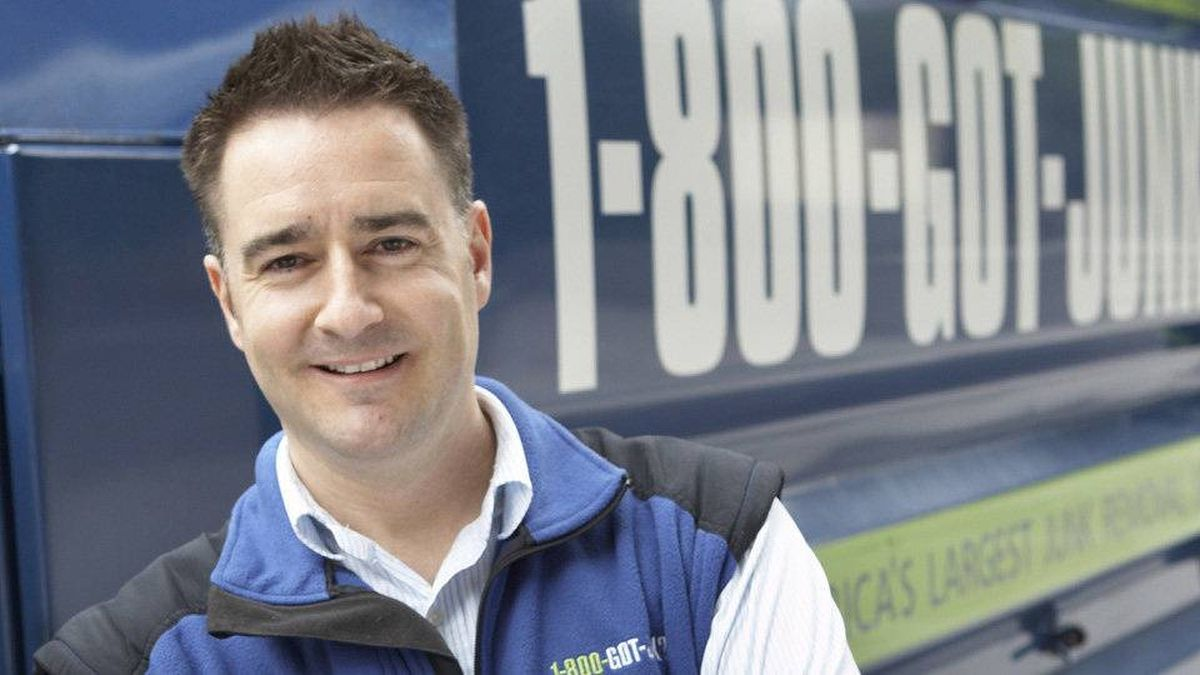 RBC On-Campus @ York will be hosting another RBC Disruptor Series on Feb. 27th! This is a great opportunity to learn about Brian Scudamore's, CEO of @1800GOTJUNK, career journey and hear his tips and tricks for job success! Register here: https://www.eventbrite.ca/e/rbc-disruptor-series-live-stream-1-800-got-junk-tickets-56921629125… #CDC
