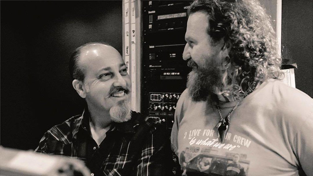 It looks like @mastodonmusic will pay tribute to their late manager, Nick John, with a 7' box set later this year.  https://t.co/Q7ozo3e6n3