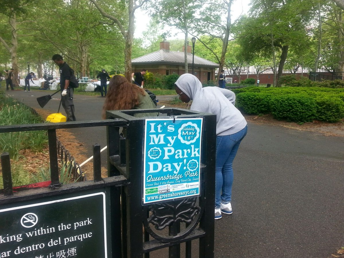 For #ThrowbackThursday -- It's My Park Day, May 2015 in #Queensbridge Park