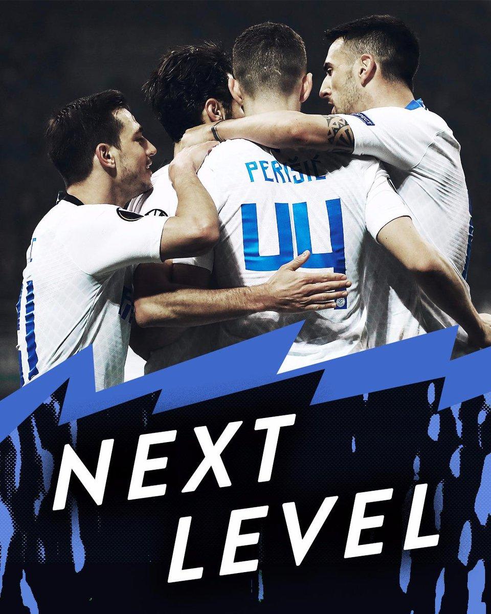 ⌛️ | 90'+2' FINITAAA!  L'Inter si qualifica agli ottavi di finale di @EuropaLeague   11' @vecino 18' @23_Frog  80' #Perisic 87' @MPolitano16   #InterRapid 4⃣➖0⃣