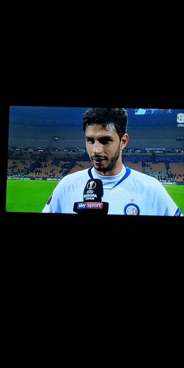 Brava @Inter, bella squadra, partita discretamente facile, si avanza a testa alta, @23_Frog bravissimo, vero esempio di attaccamento alla maglia, bellissima esultanza! Qualcuno, dovrebbe imparare da te! #amala #sempre #ForzaInter
