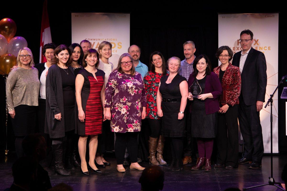 Félicitations à l'équipe de communications du projet de la crise des opioïdes de Santé Canada, récipiendaire du prix Phare à la cérémonie des Prix d'excellence en communication du #GduC ! http://bit.ly/2RBJEQX #CommsGC2019 #PrixCommunication @GouvCanSante