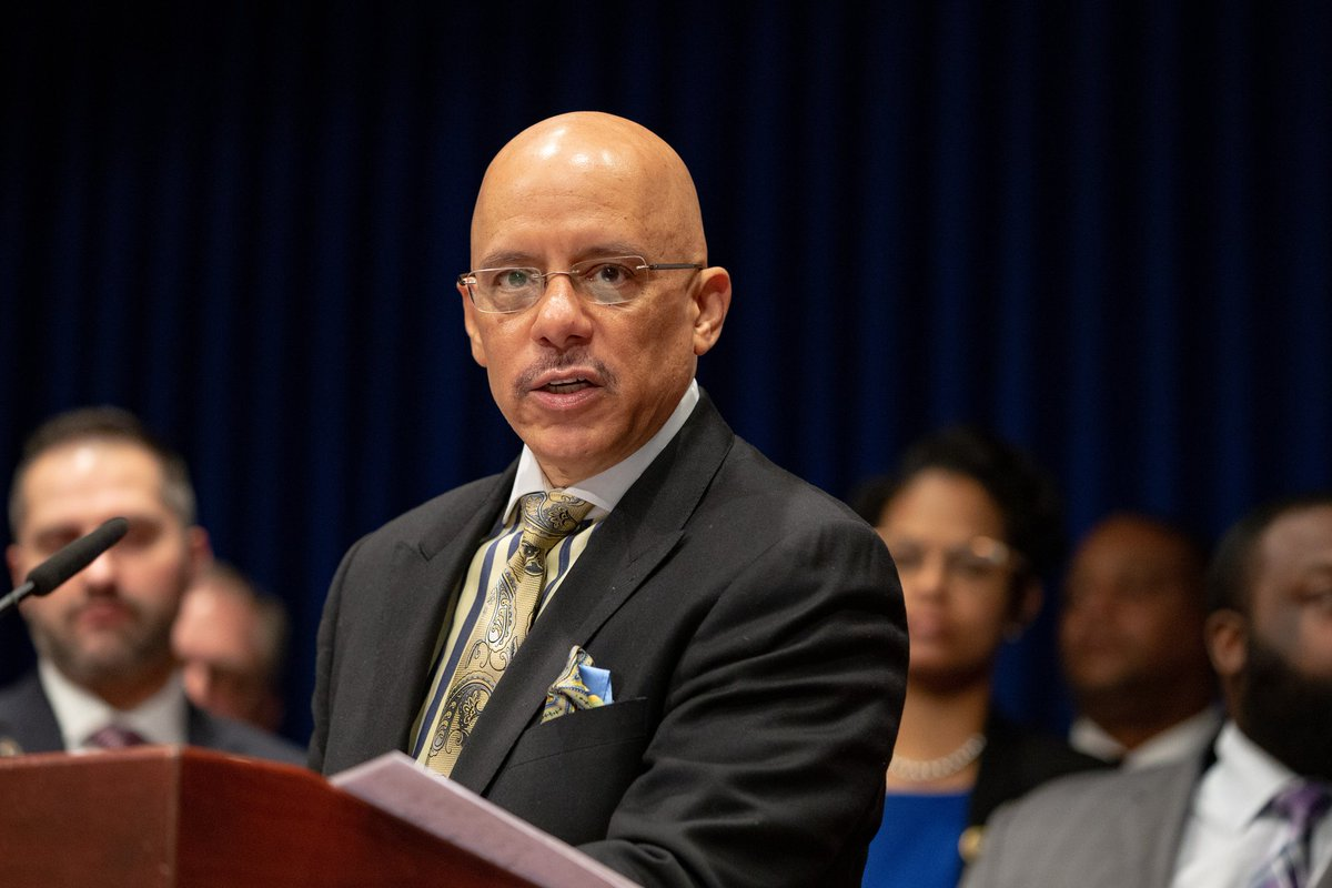 Professors rally behind tuition-free education proposed by @SenatorHughes:  http://thestroudcourier.com/2019/02/21/professors-rally-behind-tuition-free-education/ …