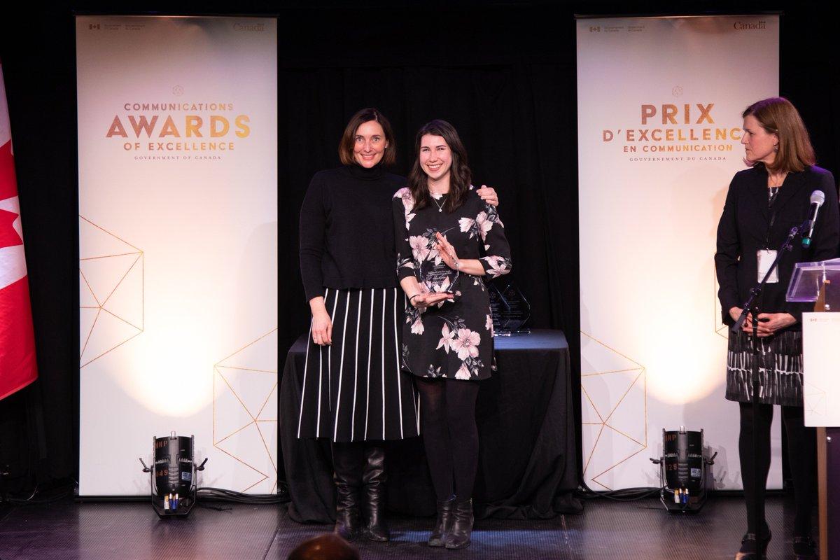 Félicitations à Valerie Anderson de Ressources naturelles Canada, récipiendaire du prix du maître numérique de l'année à la cérémonie des Prix d'excellence en communication du #GduC ! http://bit.ly/2RBJEQX #CommsGC2019 #PrixCommunication @RNCan