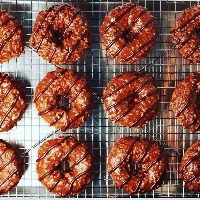 Just one more week until Samoas-inspired doughnuts return! Your purchase of this doughnut (in all of its ooey-gooey caramel/coconut/chocolate glory) will help support Girl Scouts of Western Washington ! Available in all cafes March 1st - 16th! <br>http://pic.twitter.com/hwItaNcNqH