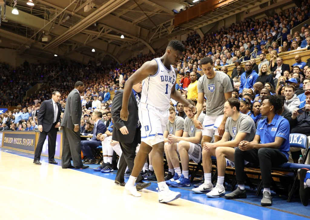 After Zion Williamson got hurt thirty six seconds into the UNC game, most people think he should shut it down but I feel we shouldn't be telling kids to quit on their team.   After Dark podcast: https://es.pn/2GWjm6e