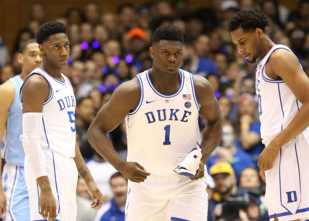 Should Zion Williamson stay at Duke or walk out on his team?  After Dark podcast: https://es.pn/2Sf1EwN