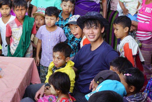 竹内涼真が「世界ウルルン滞在記」で旅人に、ミャンマーにてイルカと伝統漁体験(コメントあり) https://t.co/WkHwHw3uff   #竹内涼真 #世界ウルルン滞在記