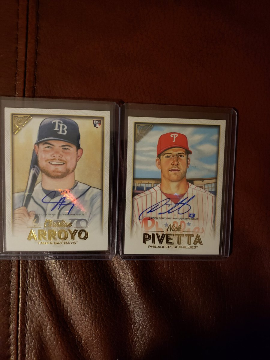 GIVEAWAY TIME!!!! FOLLOW &amp; RT FOR A CHANCE TO WIN!!! WINNER SELECTED NEXT SATURDAY NIGHT!! #TheHobby #Phillies #DevilRays <br>http://pic.twitter.com/BYwCRQQY6s