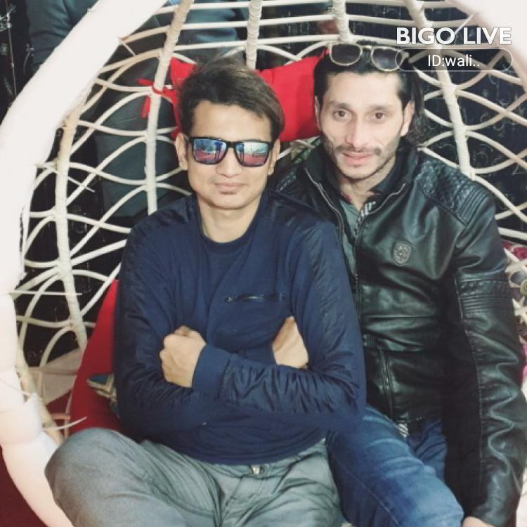 OMG! You have to see this. #BIGOLIVE.   https://t.co/2A24moSeh5 https://t.co/T657MZg0Ca