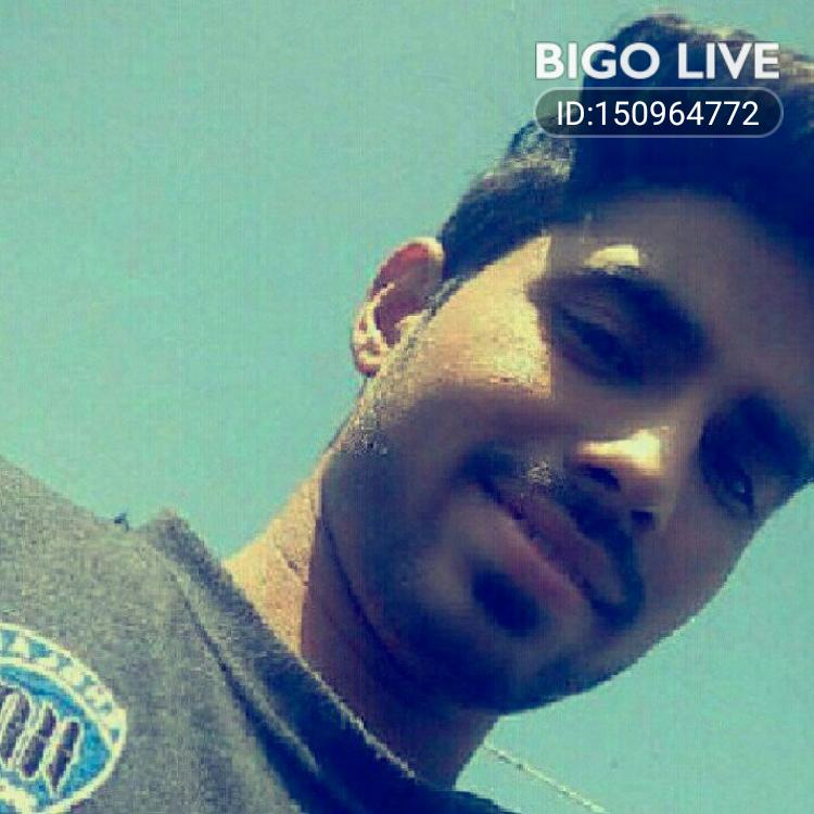 OMG! You have to see this. #BIGOLIVE.   https://t.co/YR7osest2z https://t.co/7jWtife7Uj