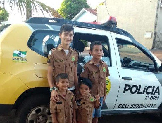 Crianças realizam sonho de serem PMs em Ribeirão do Pinhal #Cidades #Farda #PolíciaMilitar #RibeirãodoPinhal https://npdiario.com/capa/criancas-realizam-sonho-de-serem-pms-em-ribeirao-do-pinhal/…