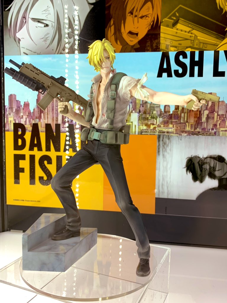 The #BANANAFISH Ash Lynx figurine is on display at WonFes 2019! His pose is very dynamic, and you can even see the detail of the scratch marks on his chest! #wf2019w <br>http://pic.twitter.com/WDAoiwJ0OC