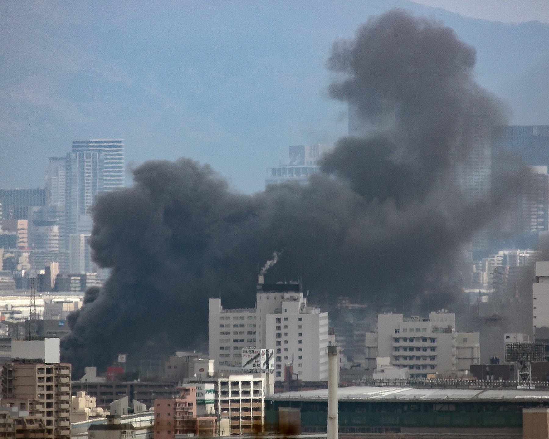 画像,#大阪 方面で #火災  なう 13:13撮影 https://t.co/ioc6vRb7tG。