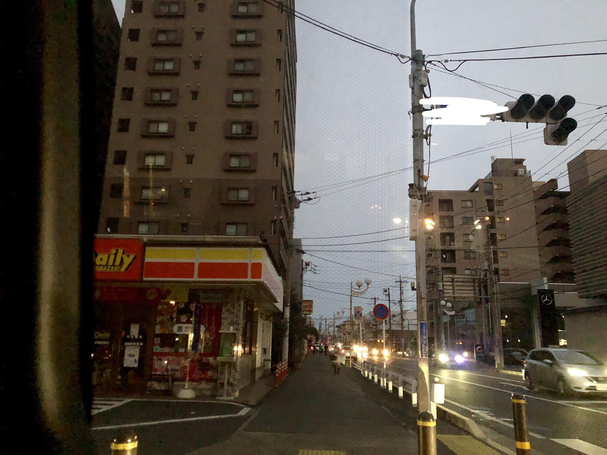 画像,千葉市内停電してる信号つかない怖い https://t.co/9ukajrHQPV。