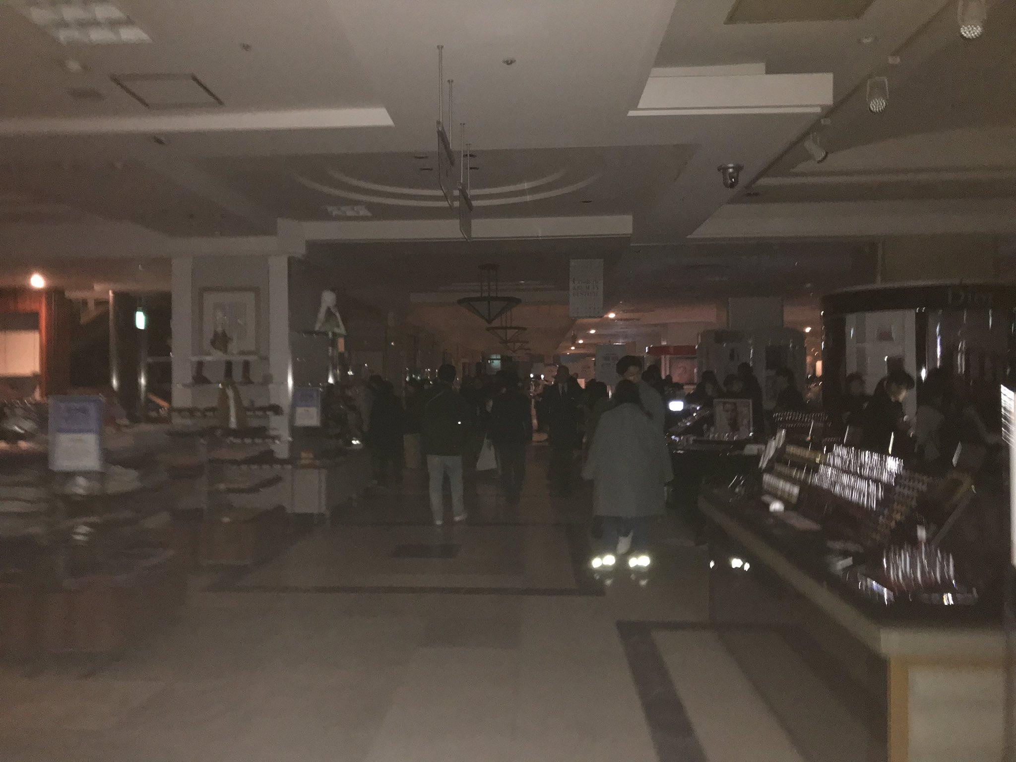 画像,千葉そごうが停電で面白いことになってるwwww https://t.co/e2QzCKBHgu。