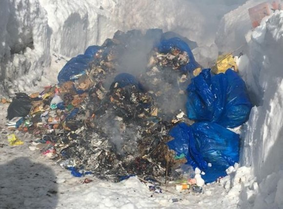 Shame. What is this ? Is it at attempt to turn world famous Ski resort and tourist destination Gulmarg into complete Garbage Zone. So sad. #SaveEnvironmentSaveKashmir  @jandkgovernor  @JKgrievance