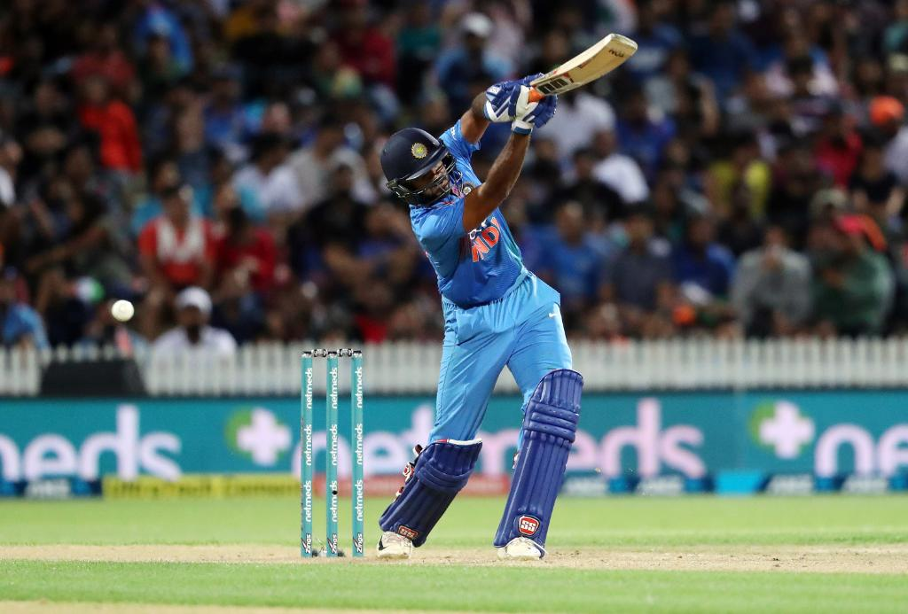 India loses T20 series as New Zealand wins by 4 runs - Time for MSD to retire