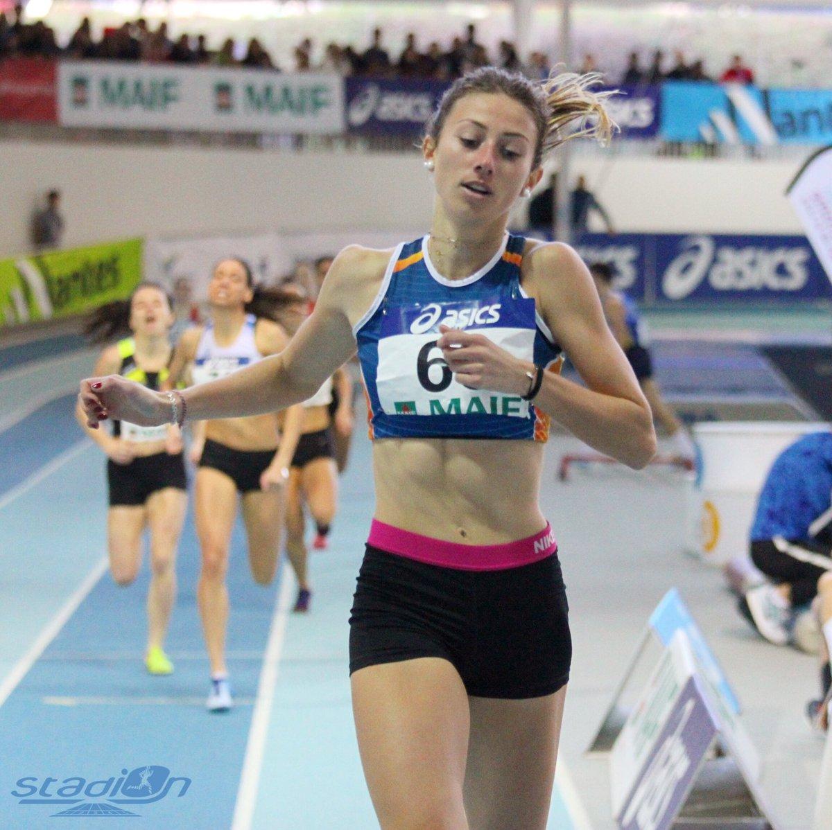 """🇫🇷 Charlotte Pizzo a assumé son statut de grande favorite en remportant le 800 m espoirs (2'12""""19) ! #athlétisme #CFAthlé"""